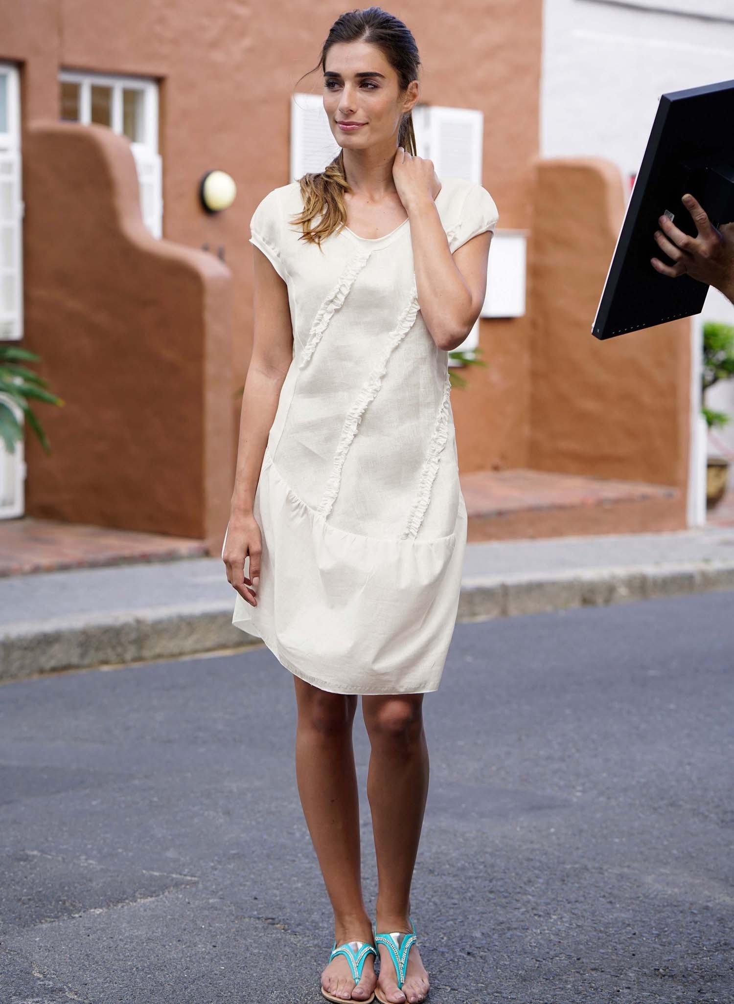 D-Leinen-Kleid,Rüschen weiss L 001 - 2 - Ronja.ch