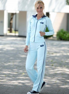Jogging-Anzug mit Kapuze