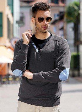 Herren–Pullover, V–Ausschnitt