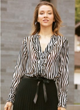 Langarm-Bluse, Volan verziert