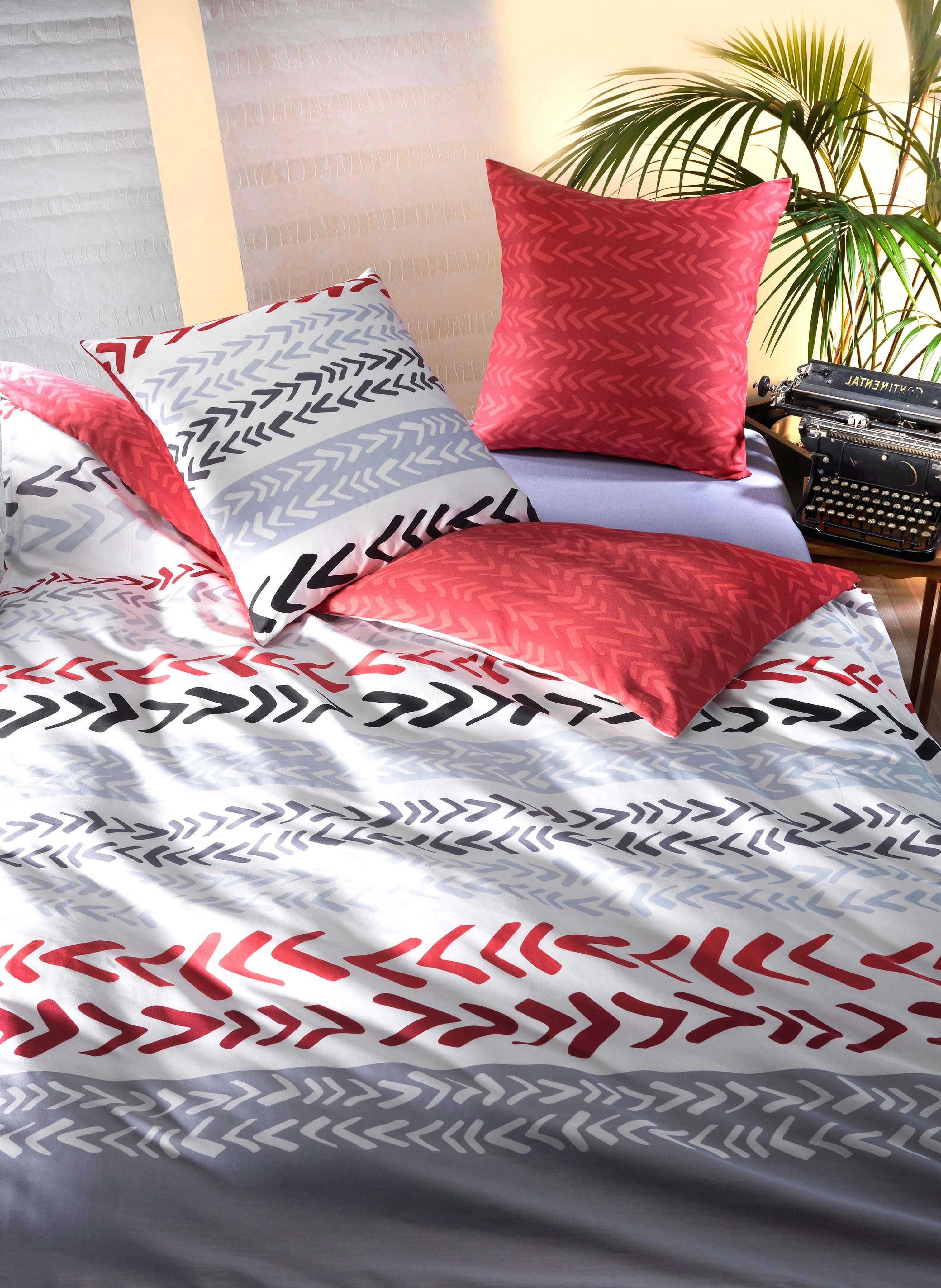 Garniture de lit en satin «MIKADO»