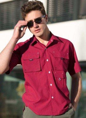 Chemise avec plusieurs poches