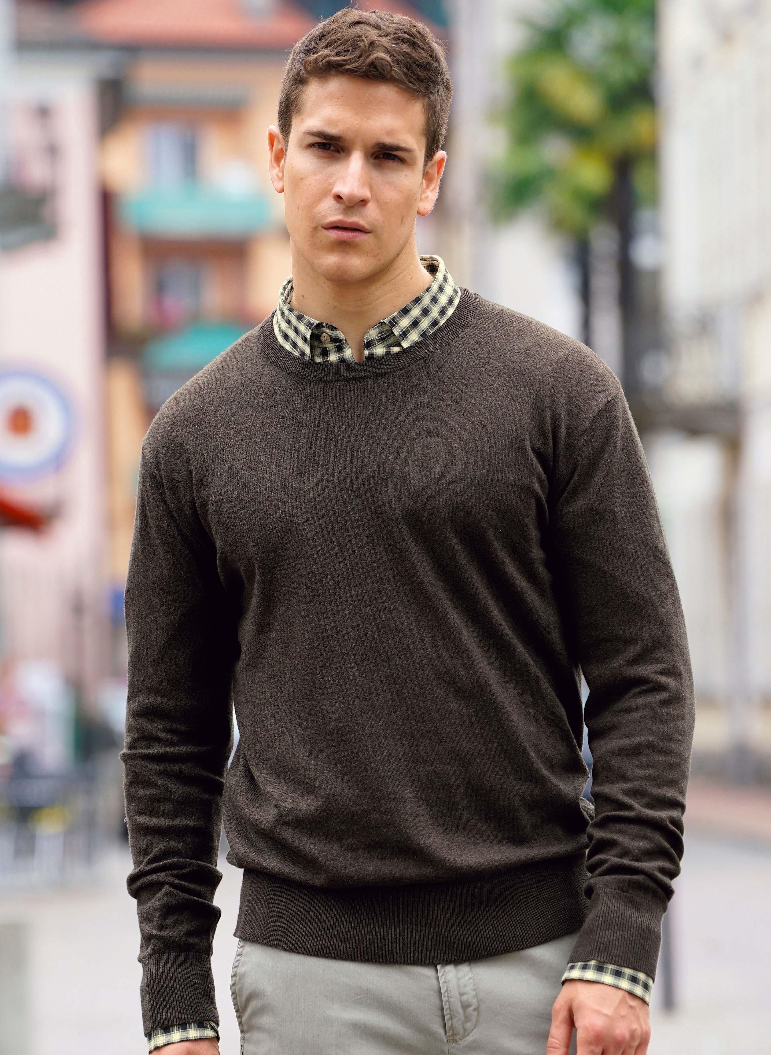 Pullover  girocollo in maglia fine