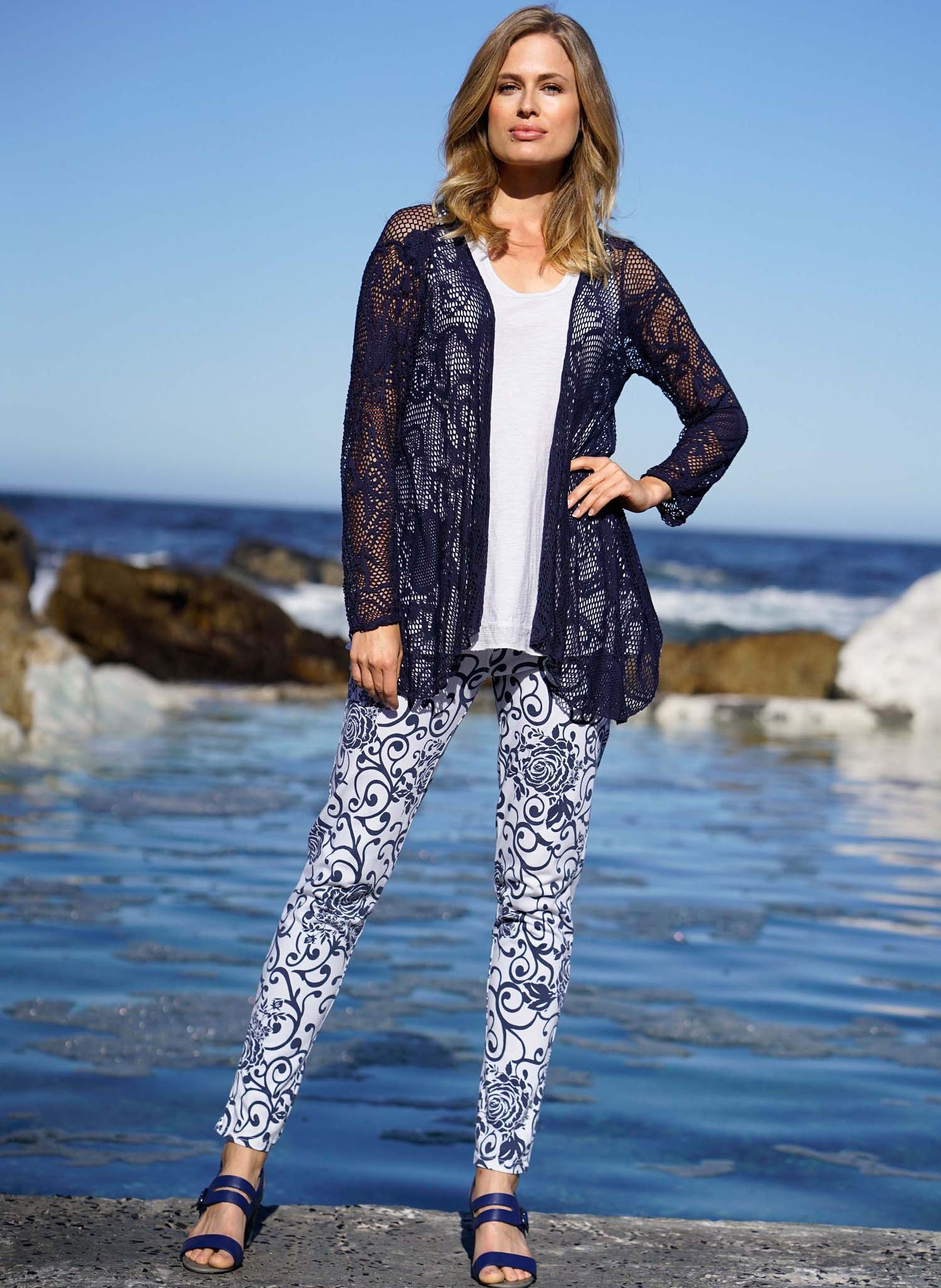D-Hose,Floral marine/weiss L 204 - 1 - Ronja.ch